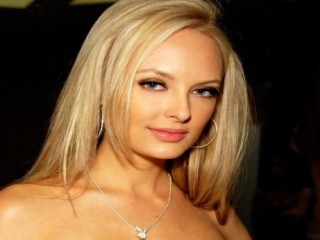 Shera Bechard biography, birth date, birth place and pictures