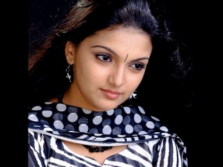 Saranya Mohan picture, image, poster