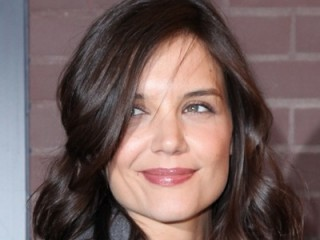 Katie Holmes Biography on Katie Holmes Biography  Birth Date  Birth Place And Pictures