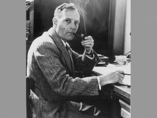 Edwin Hubble biography, birth date, birth place and pictures