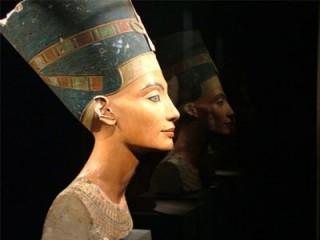 Nefertiti picture, image, poster