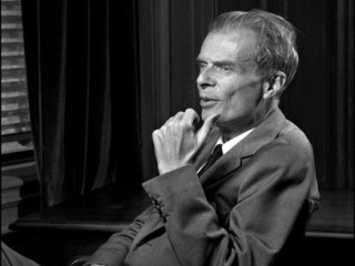 aldous huxley biography Aldous leonard huxley was born on july 26, 1894 in surrey, england, as the third son of dr leonard huxley and julia arnold huxley was born into a long line of scientists and intellectuals.