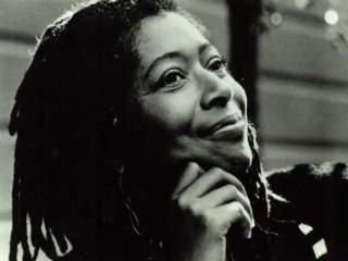 alice malsenior Porträt von alice walker: biographie, bibliographie, historische romane von   die afro-amerikanische schriftstellerin alice malsenior walker wurde 1944 in.