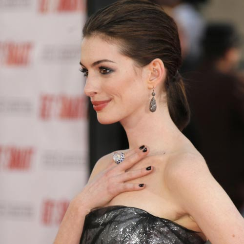 Anne Hathaway Biography, Birth Date, Birth Place And Pictures