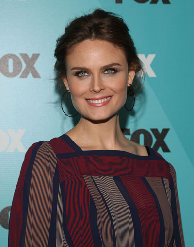 Emily Deschanel biography, birth date, birth place and ...