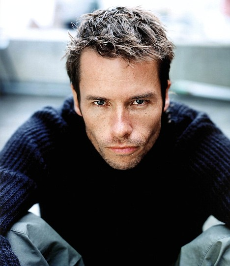 Guy Pearce biography, birth date, birth place and pictures