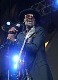 Go-Go singer Chuck Brown dies aged 74, due pneumonia