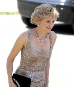 Naomi Watts\' amazing look as Princess Diana on the set of Caught in Flight biography