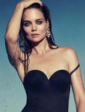 Katie Holmes Biography on Katie Holmes Strips Down For H  Stern S New Jewelry Collection On