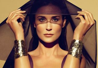 Demi Moore heavily photoshopped for Helena Rubenstein\'s 2012 Ads biography