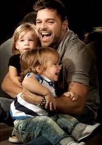 Ricky Martin poses for the Vanity Fair cover with twins Matteo and Valentino biography